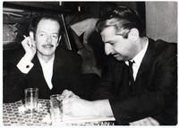 Ο Βασίλης Τσιτσάνης με τον Γιάννη Κουνάδη