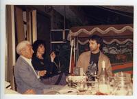 Ο Γιώργος Κατσαρός (Θεολογίτης) με τον Γιώργο Νταλάρα και την Ελισάβετ Κουνάδη