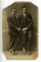 Ο Γιώργος Κατσαρός (Θεολογίτης) με κάποιον φίλο του