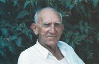 Ο Γιάννης Χατζής ή Αγορόπουλος στο σπίτι του